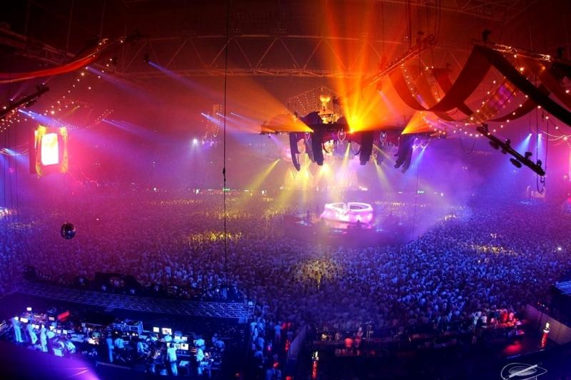 24_discoteca-concerto-rock-arti-performative-sfondo.jpg